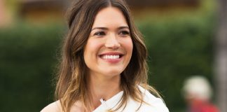 Singer Mandy Moore climbs Mt. Kilimanjarowith fiance Taylor Goldsmith