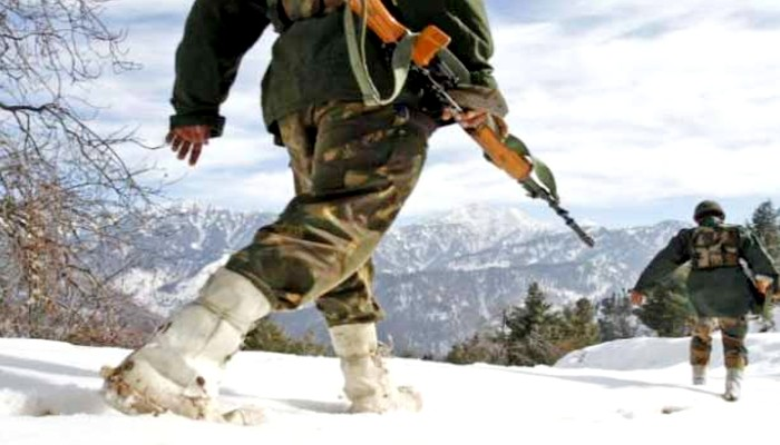 India china clash army occupy strategic heights in Eastern ladakh before pla