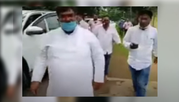 Chhattisgarh mla vinay jaiswal forcibly broke into officer's house damage water pipe