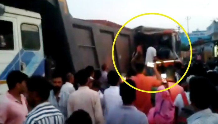 baghpat Roadways bus accident 21 passengers injured driver died