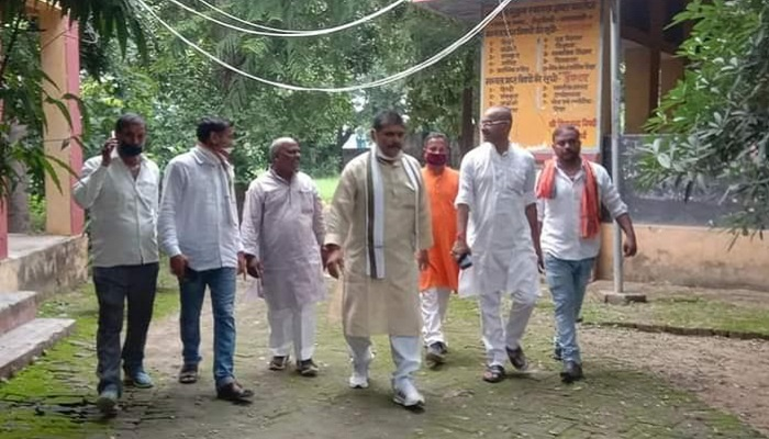 BJP MLA Surendra Singh with supporters