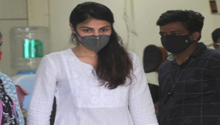 Rhea Chakraborty Tells Bombay High Court Sushant Died 5 days after taking Unlawfully Prescribed Drugs By His Sister