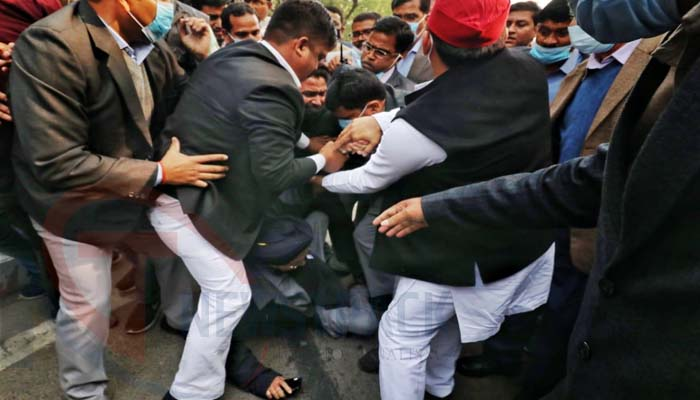 sp protest in lucknow