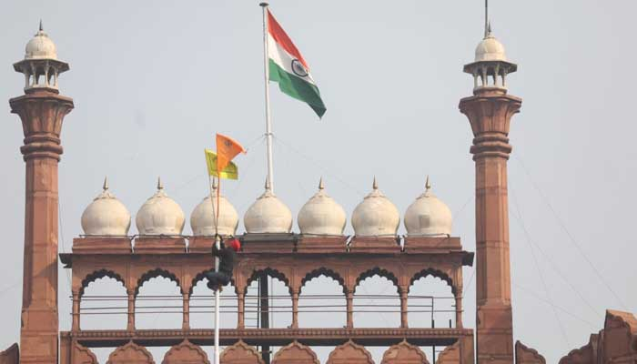Farmers hoisted flag on Red Fort